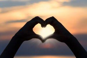 Due mani e un cuore